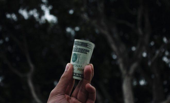 クラウドファンディングと輸入ビジネスの明日